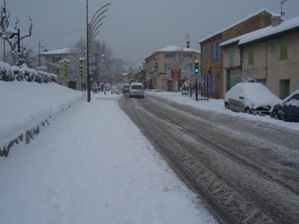 07-01-2009 L'avenue Maurice Plantier sous la neige