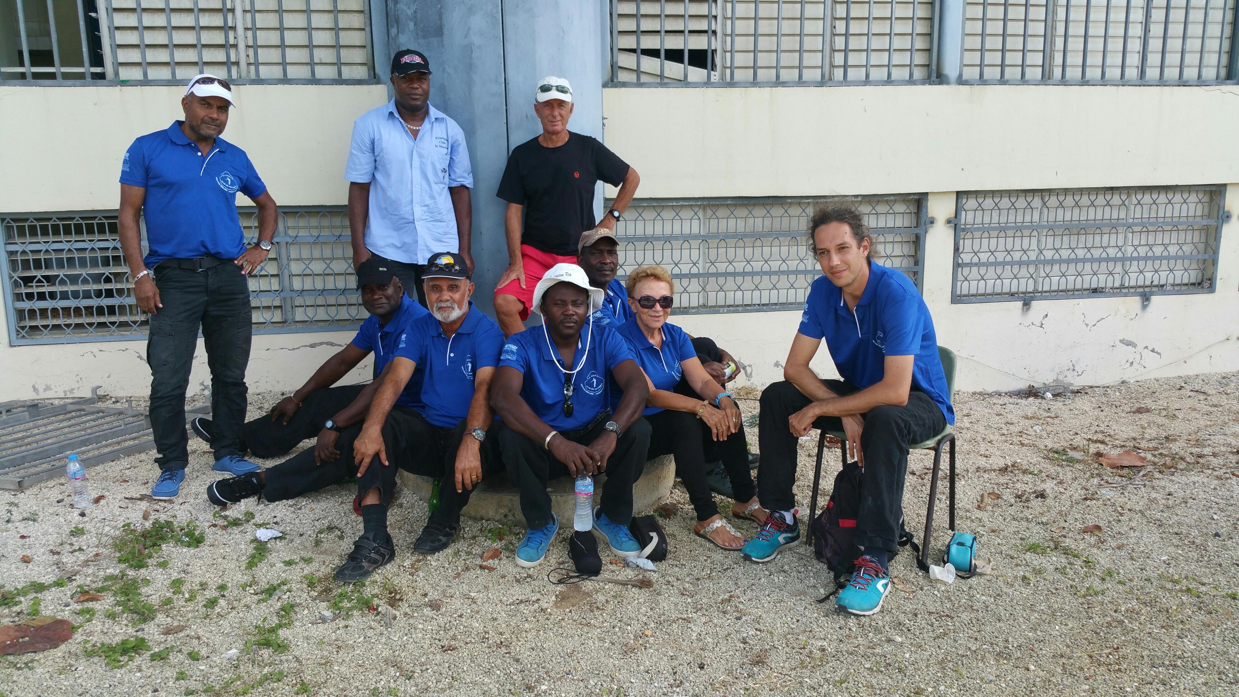 Le Club de Pétanque de la Marine de Marie-Galante à l'heure de la pause
