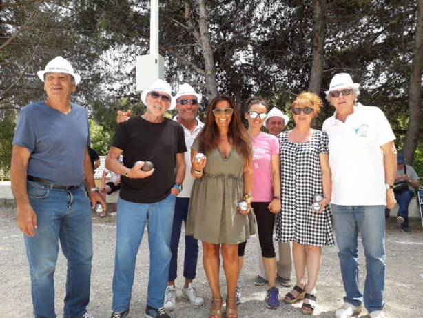Partie de boules exhibition VIP avec Valérie Mérali (Var matin)