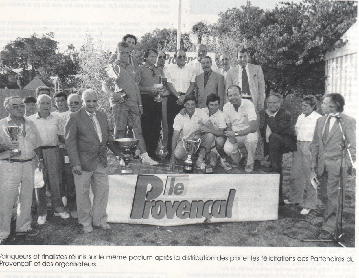 04-08-1989 - 81ème Provençal - Accroupis sur le podium, Francis Fauchier, Claude Gramondi et Alain Demichelis ;