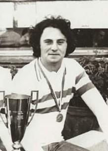 Sylvain CANU le surdoué, avec la tunique tricolore en 1976 à Digne, remportée avec René MUSSI et José PEREZ au coeur des séventies avec les look du moment, yeah yeah, jeans et cheveux longs. Autres photos de la triplette plus bas.