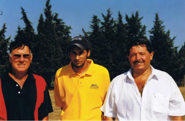 Très belle équipe à Saint Maximin au coeur des années 90, Claude Rivoira avec un jeune nommé Mohamed Ben Mostefa et son ami pointeur préféré Robert Toscano (Photo Boule Provençale Saint Maximin)
