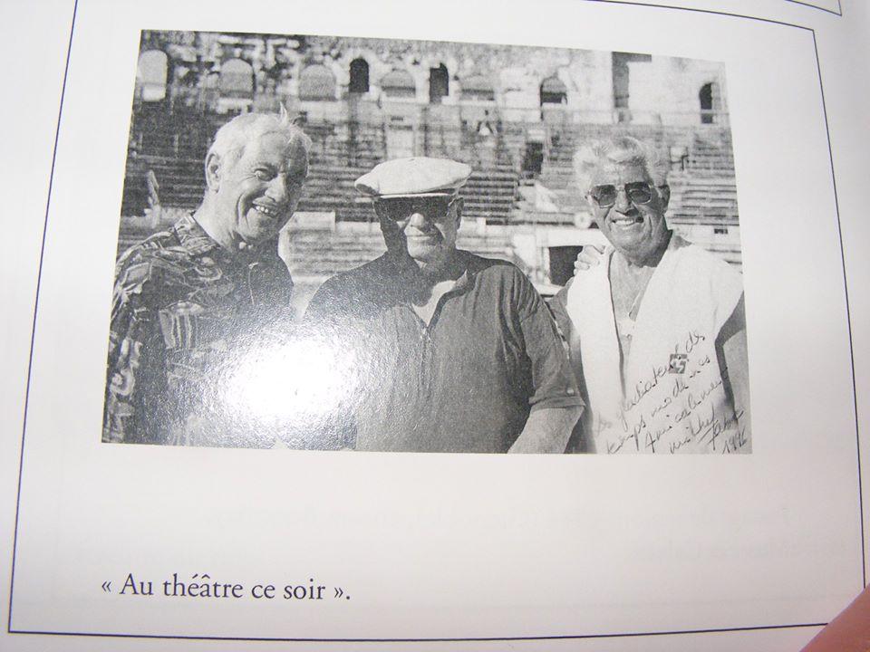 """Dédé au centre dans les arènes entourés de ses deux complices les Légendes Raoul Bonfort et Néné Macari : """"Au théâtre ce soir !"""" !"""