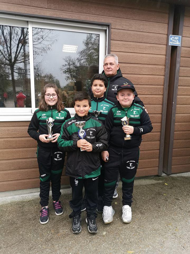 L'Equipe Jeunes de l'ASCE PETANQUE Récompensé.