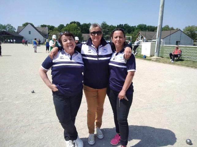 Qualificatif triplette féminime