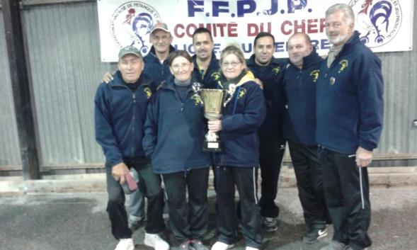 Léquipe de St Doulchard vainqueur de la Coupe du Cher