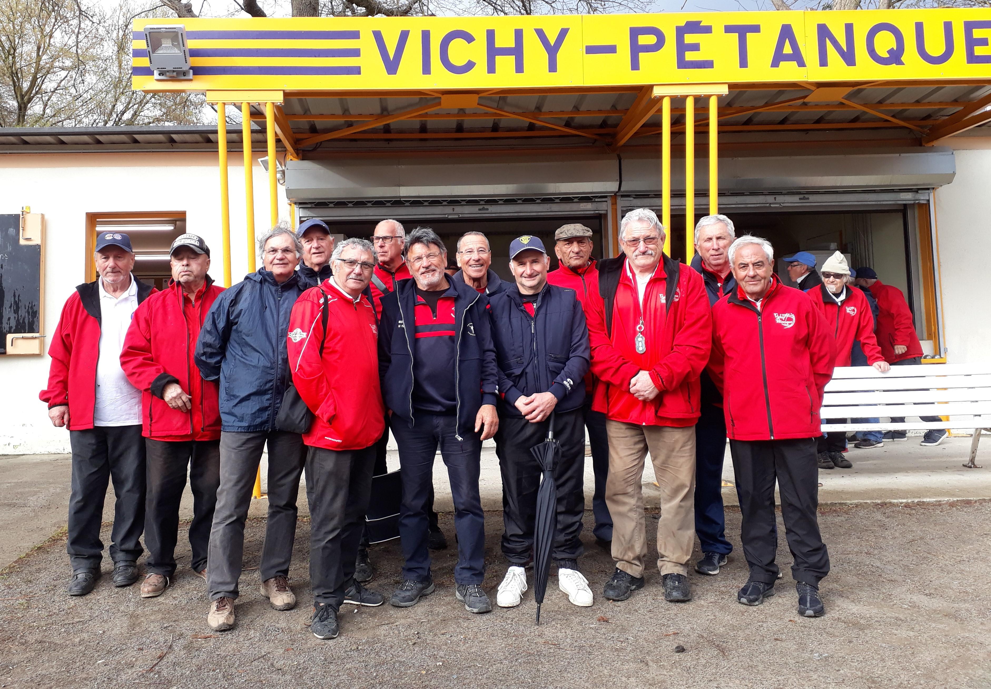 Les équipes de Vichy B et de Domérat A