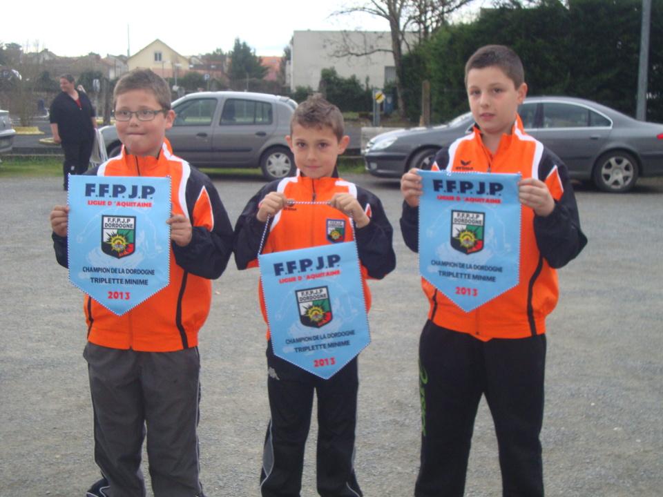 Nathan BOUCHER,Corentin BERGE et Théo AGUESSEAU Champions de Dordogne minimes triplettes.