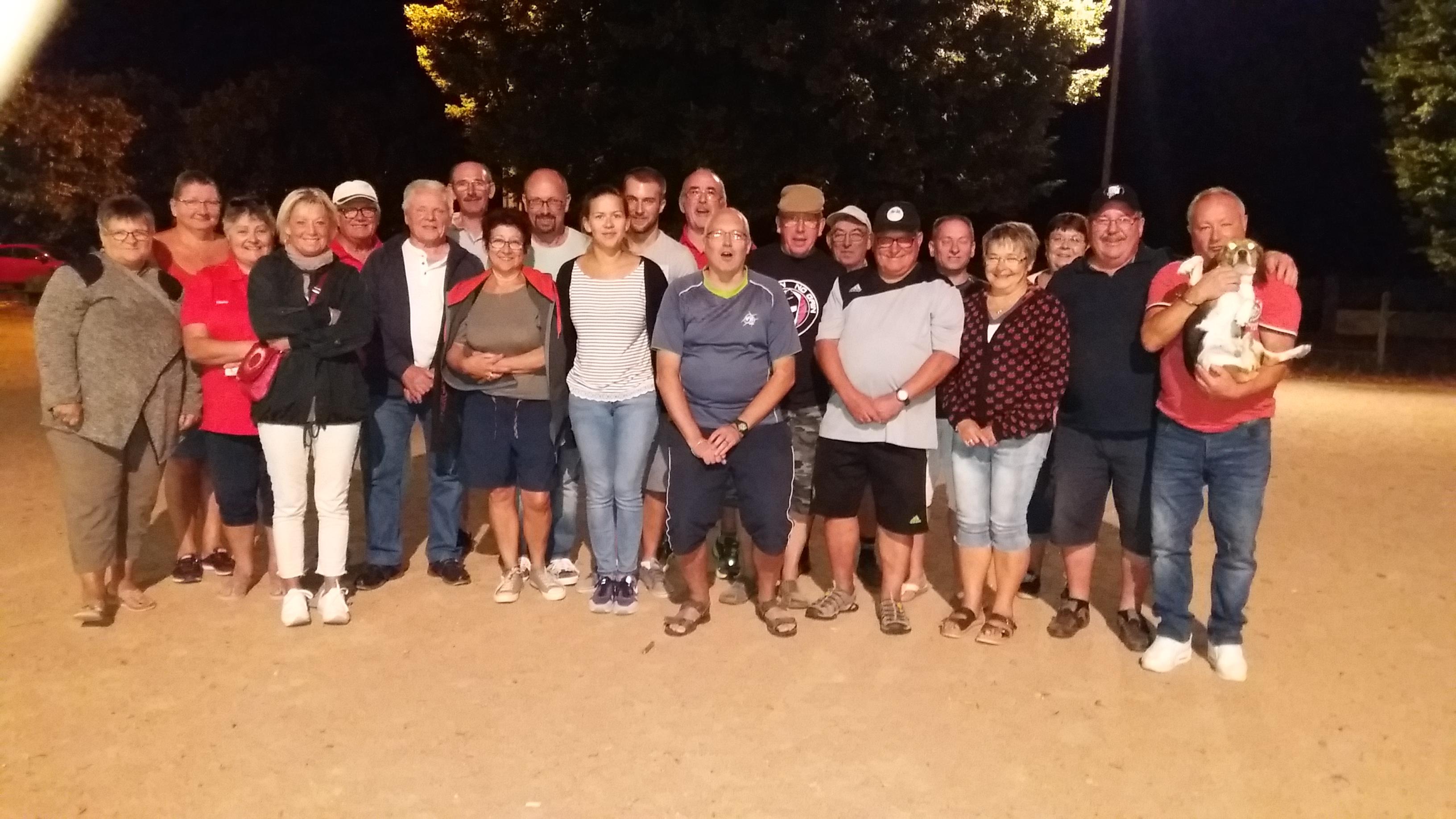 Les participants réunis en fin de soirée  pour la photo souvenir !