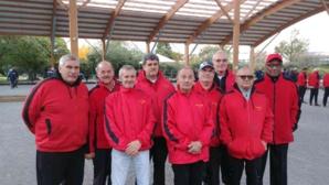 Les vainqueurs : Jean-Michel, Norbert, Richard (coach), René, Roland, Jean-Marc, Jean-Luc, Gérard et Grégoire