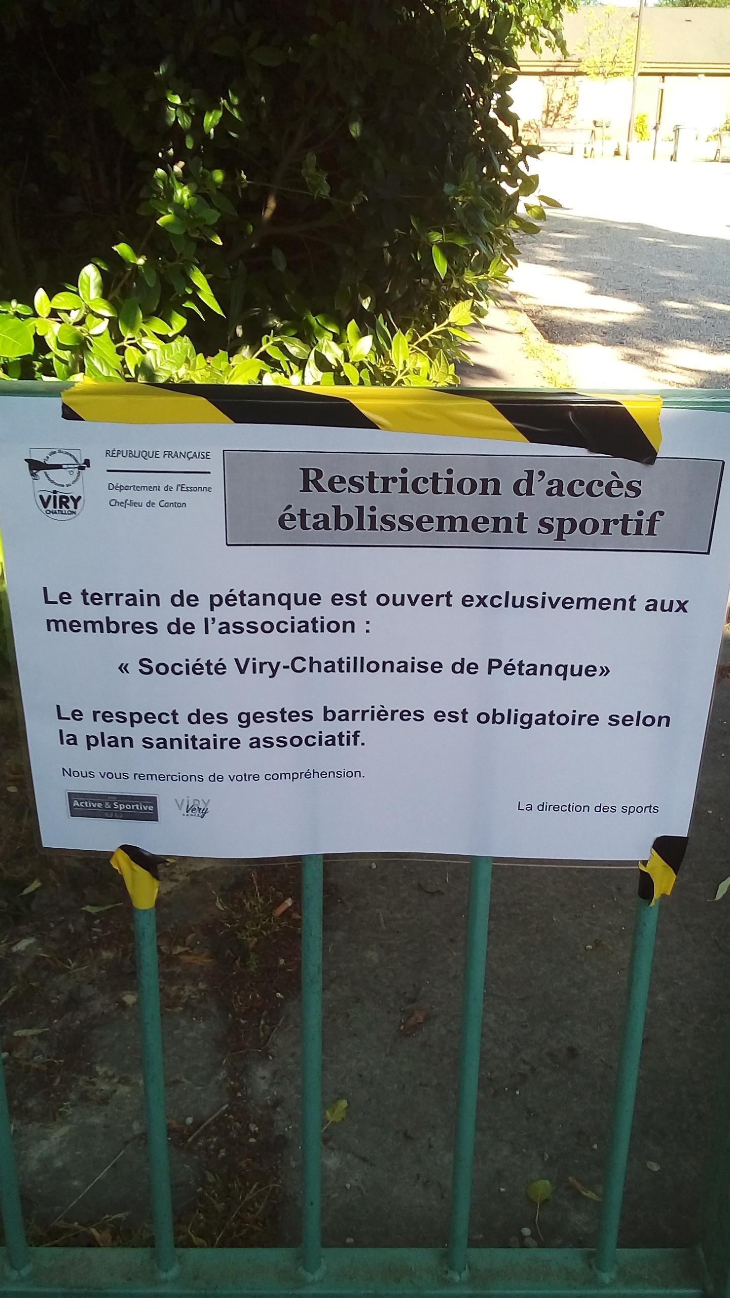 L'affiche scotchée sur les barrières du bolodrome par la Direction des Sports le 18.05.2020