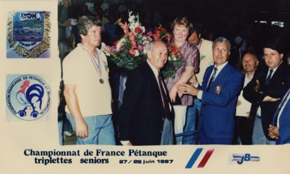 Remise de récompenses du championnat 1987 (photo Jean-Claude MEYER)