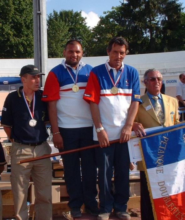 Les champions de France doublettes 2003 > Antoine CANO - Fernand RIVIERE