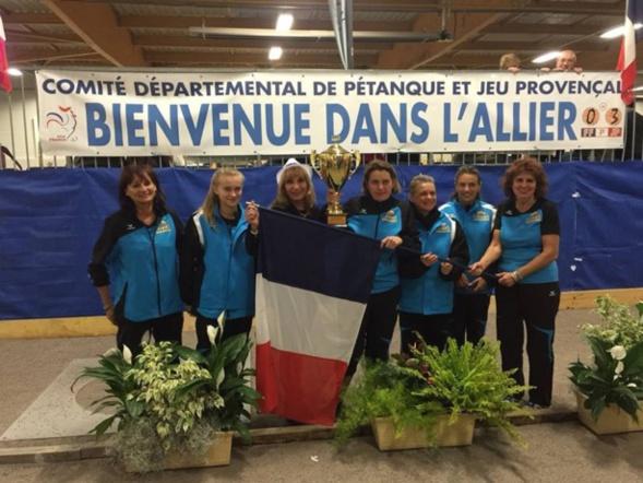 L'équipe de Cannes Aéro-Sports championne de France des clubs féminin 2016