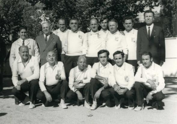 Photo de groupe des 4 équipes qualifiées
