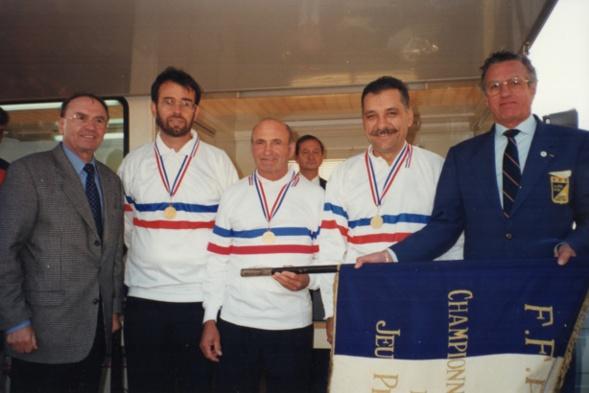Les Champions de France triplettes au Jeu Provençal 1996 (Roland LORENZELLI-Blaise BUTTELLI-Gérard LORENZELLI)