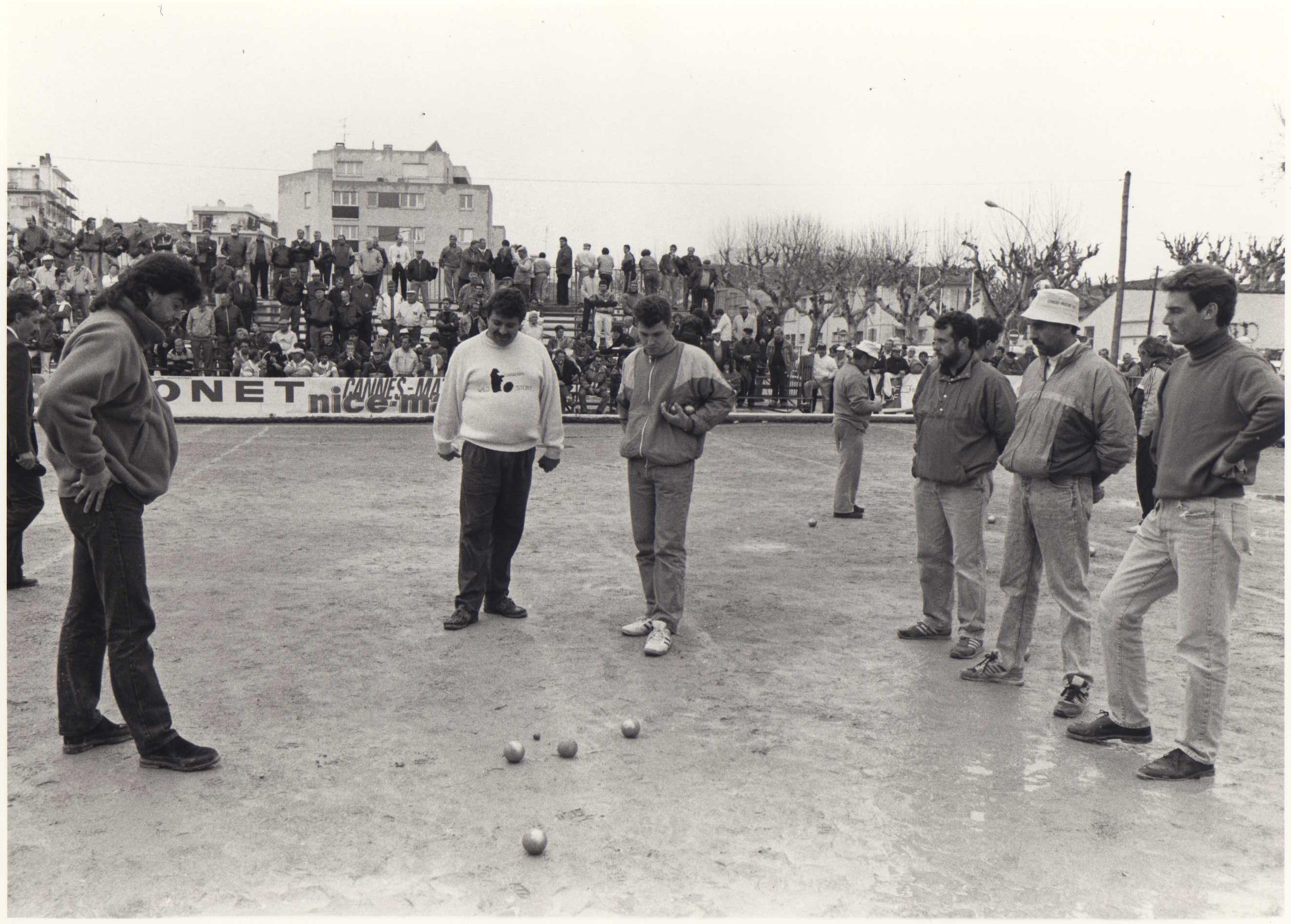 La partie des 1/4 de finale du National de CANNES 1991 entre ROBERT-QUINTAIS-MORILLON contre RAYNE-BELOEIL-FERRETTI du C.A.S.