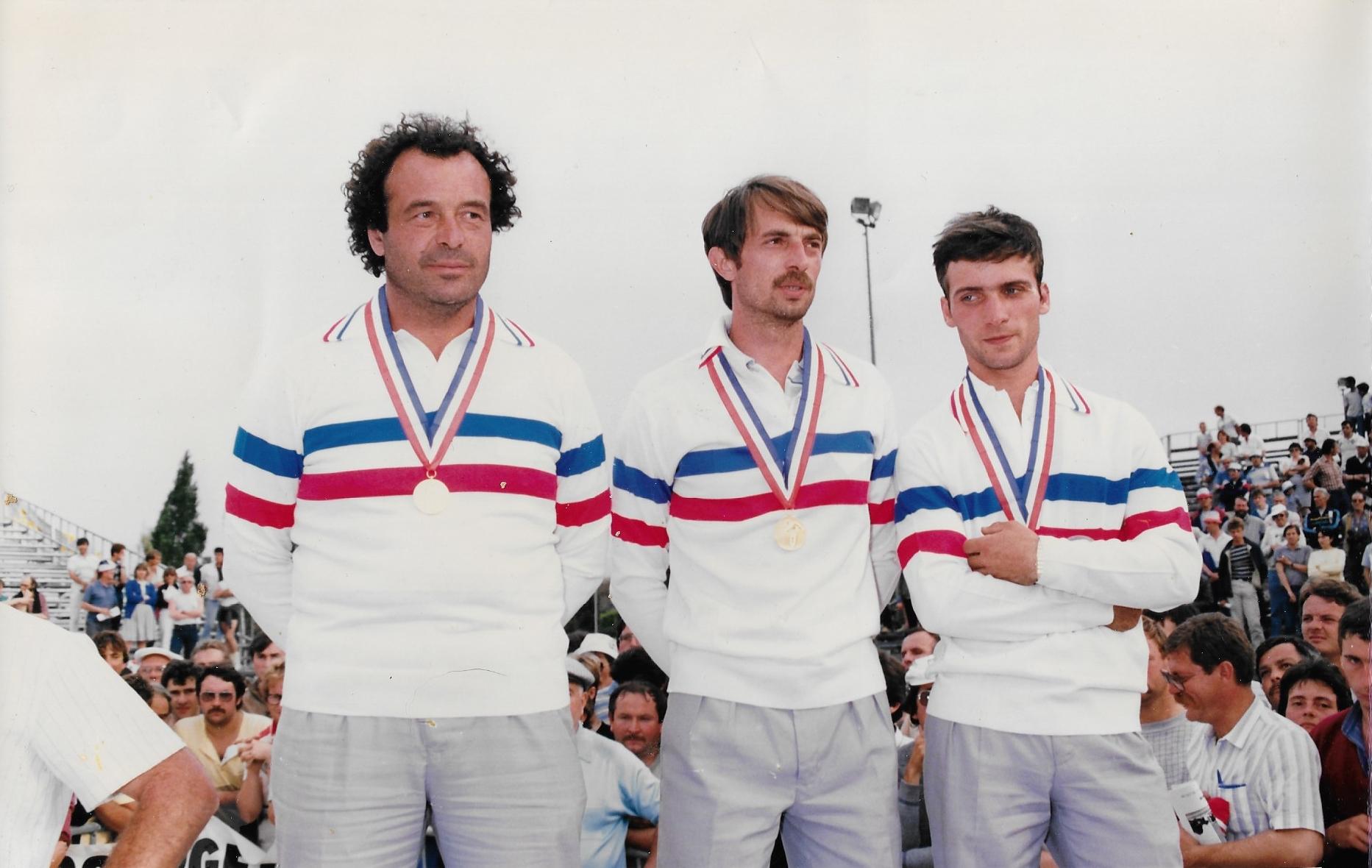 Concours départemental au C.B. ROCHEVILLE dans les années 80 avec de gauche à droite BOLLARO-ZIMMERMAN-MELISSANO-TINI-BLONDEAU-ARCOLAO-ZANTE