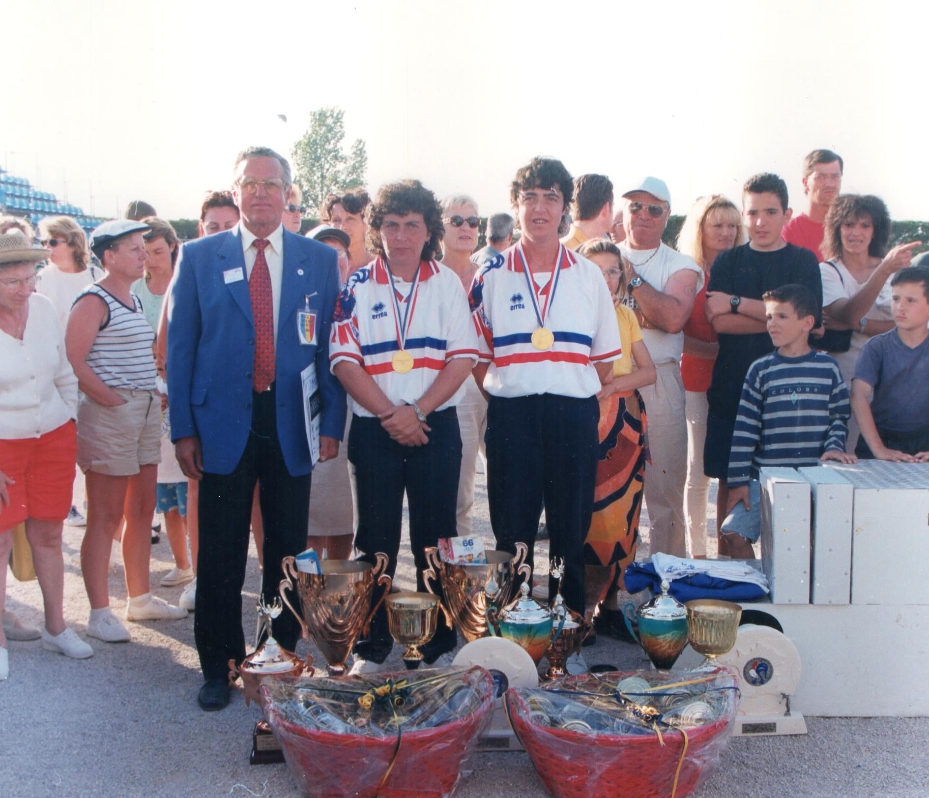 Les championnes de France doublettes 1999 Christine FILBIEN - Anne-Marie MASCAGNI