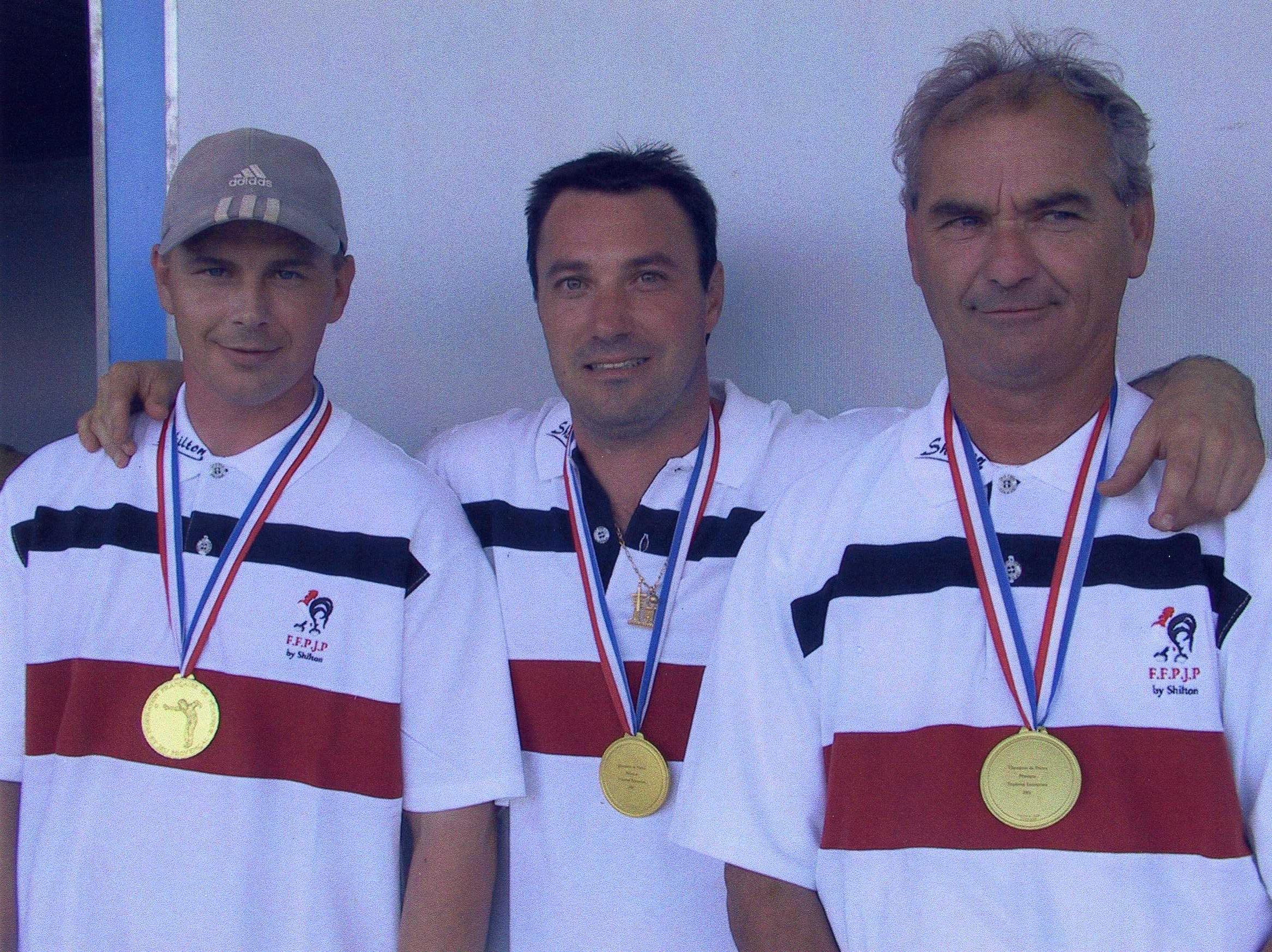 Les champions de France corporatifs 2002 > Yannick HOLLET - Jean-Marc RAPISARDA - Patrick HOLLET