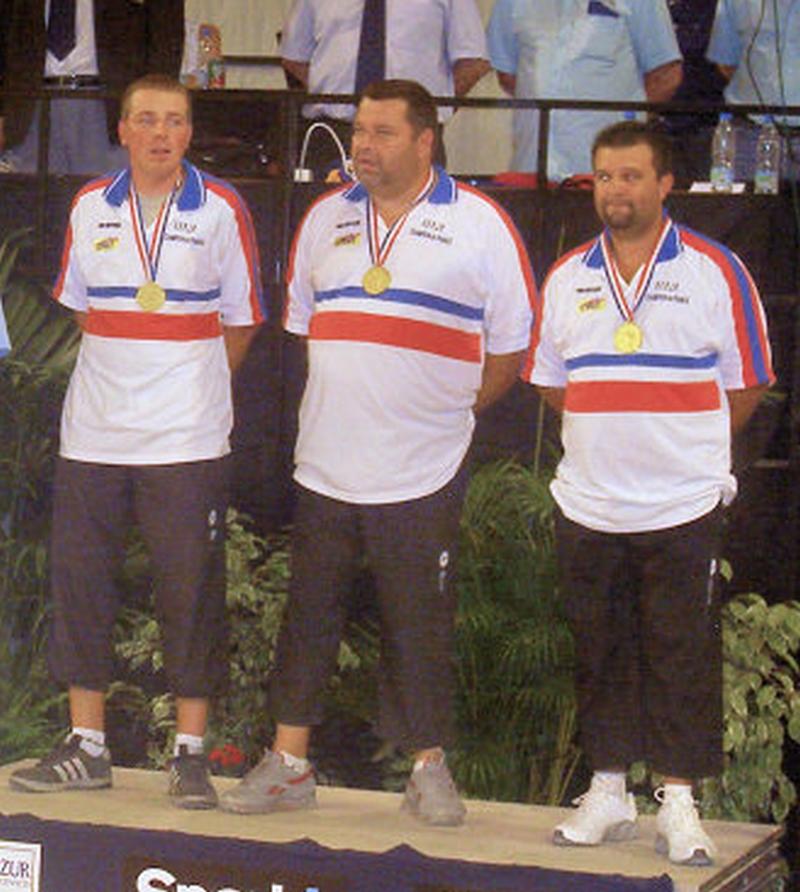 Les champions de France triplettes 2006 > Philippe SUCHAUD - Philippe QUINTAIS - Henri LACROIX