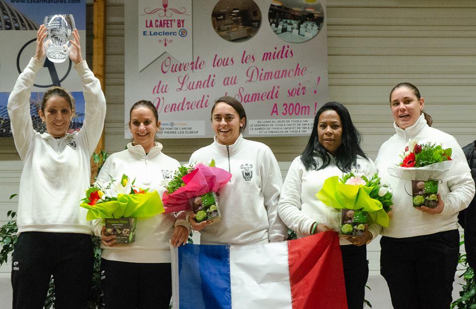 L' équipe du D.U.C. féminine championne de France des clubs 2018 (photo Jac pétanque)