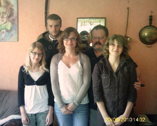 SUZIE ,FANNY, JESSIE ,GARY et papa GUYTOU lol